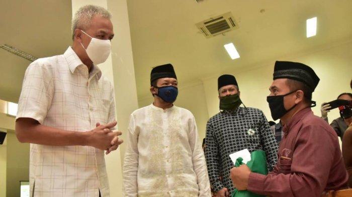 Masjid Agung Jawa Tengah Bagikan 7 Ton Beras untuk Warga Terdampak Virus Corona