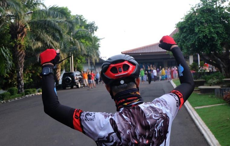 Ganjar Bersepeda Beri Semangat Penyintas Covid-19