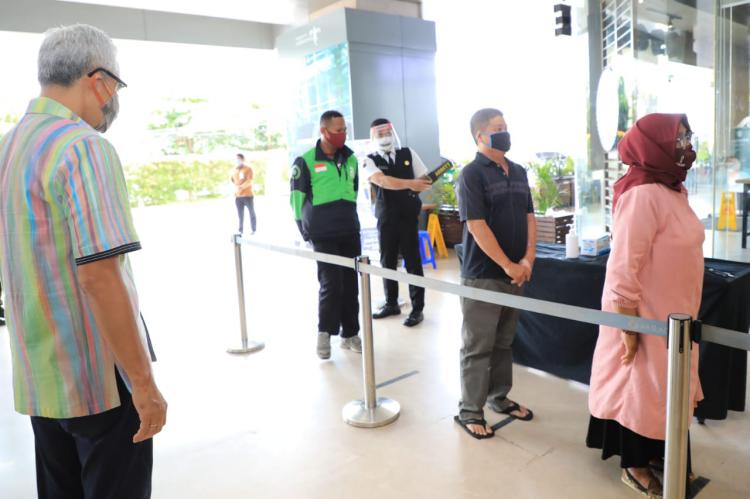 Cek Kesiapan New Normal di Jateng, Ganjar Datangi Kantor Samsat dan Pelayanan Terpadu