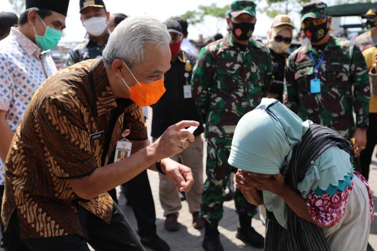 Tiga Pasar Tradisional di Semarang Menjadi Sasaran Operasi Protokol Kesehatan